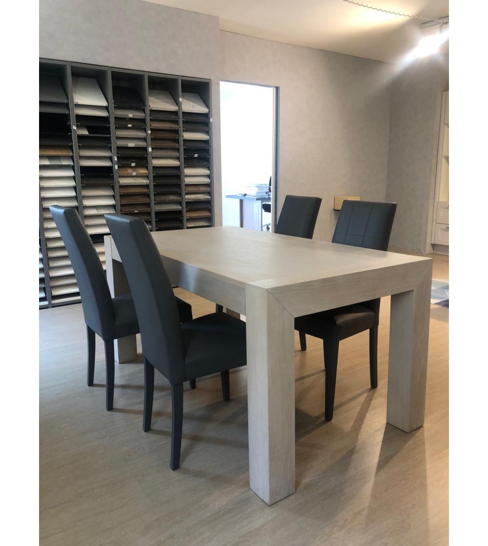 Tavolo moderno in legno massello Vinciguerra Shop